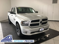 New 2019 Ram 1500 Classic EXPRESS CREW CAB 4X4 5'7 BOX Crew Cab 19159 in Oshkosh, WI