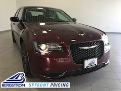 New 2019 Chrysler 300 TOURING AWD Sedan 2C3CCARG4KH651628 near Appleton