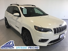 New 2019 Jeep Cherokee HIGH ALTITUDE 4X4 Sport Utility 1C4PJMDXXKD410228 near Appleton