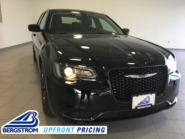 New 2019 Chrysler 300 TOURING AWD Sedan 2C3CCARG0KH651626 For Sale in Kaukauna, WI