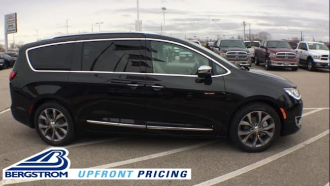 New 2019 Chrysler Pacifica LIMITED Passenger Van 2C4RC1GG0KR597747 For Sale in Kaukauna, WI