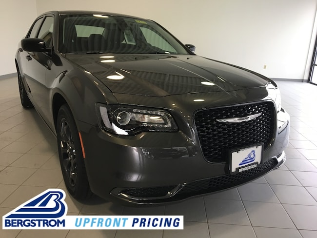 New 2019 Chrysler 300 TOURING AWD Sedan 2C3CCARG2KH651627 For Sale in Kaukauna, WI
