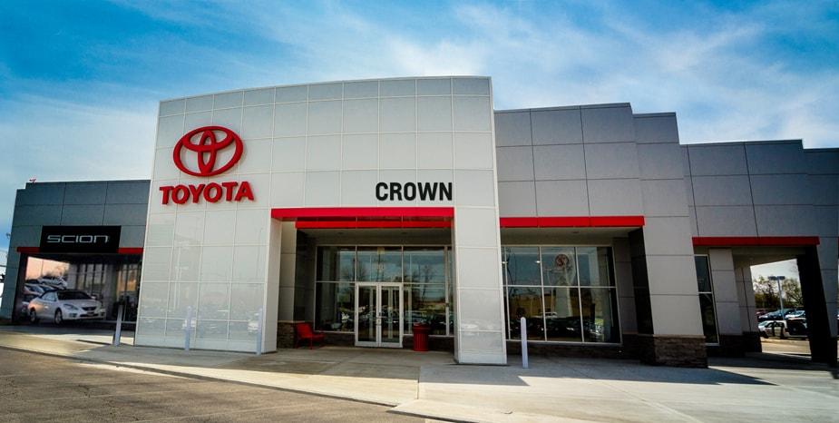 Toyota Dealer Near Decatur >> Crown Toyota Decatur Il Toyota Dealership Berkshire Hathaway