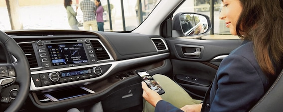 2019 Toyota Highlander | Specs and Features | Decatur