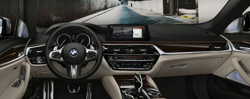 2019 BMW 5-Series Interior