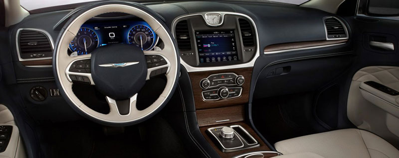 2018 chrysler 300 interior