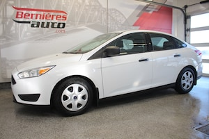 2016 Ford Focus S + A/C
