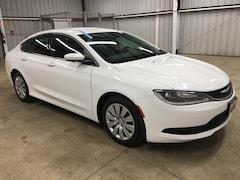 Used 2015 Chrysler 200 LX Sedan 1C3CCCFB6FN564136 Harlingen TX