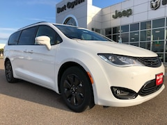 New 2019 Chrysler Pacifica Hybrid LIMITED Passenger Van 2C4RC1N76KR630141 Harlingen