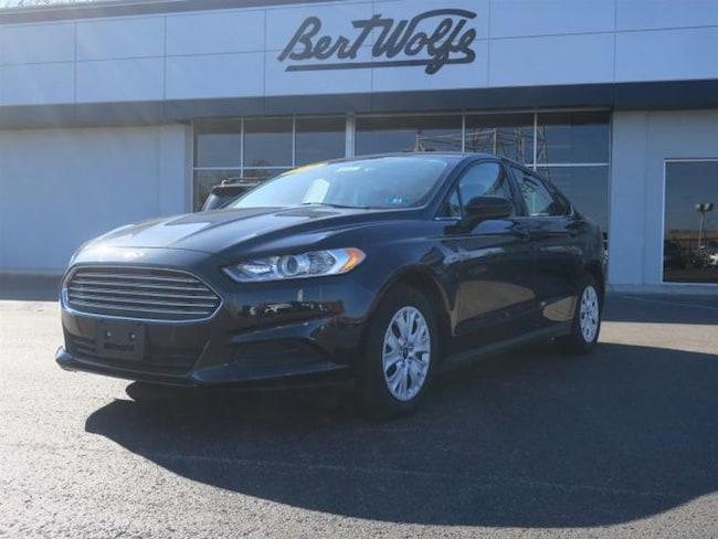 2014 Ford Fusion S Sedan