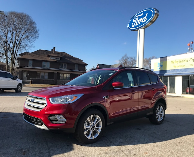 New 2019 Ford Escape SEL SEL 4WD in Knox, IN