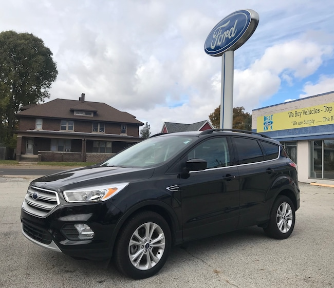 New 2018 Ford Escape SE SE 4WD in Knox, IN