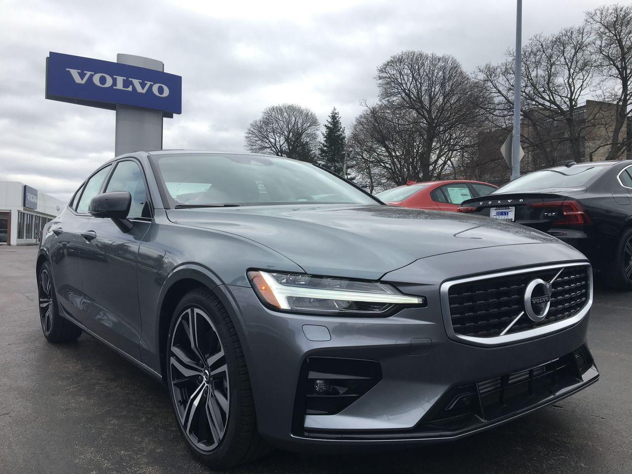 2019 Volvo S60 T6 R-Design Sedan 7JRA22TM6KG006745