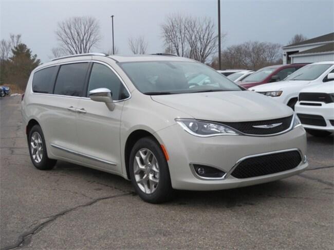 New 2019 Chrysler Pacifica LIMITED Passenger Van Big Rapids