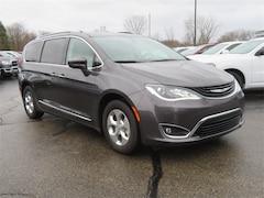 New 2018 Chrysler Pacifica Hybrid TOURING L Passenger Van Big Rapids, MI