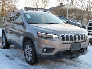 New 2019 Jeep Cherokee LATITUDE PLUS 4X4 Sport Utility For Sale Lowell MI