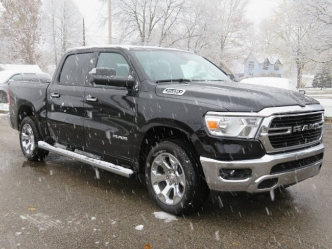 New 2019 Ram 1500 BIG HORN / LONE STAR CREW CAB 4X4 5'7 BOX Crew Cab For Sale/Lease Lowell, MI