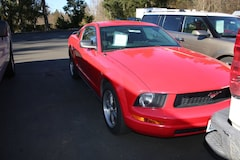 2005 Ford Mustang Deluxe Coupe