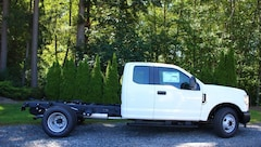 New Commercial Vehicles 2018 Ford Super Duty F-350 XL -- CHASSIS ONLY Commercial-truck for sale in Snohomish, WA