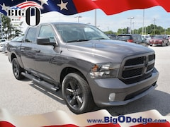 New 2018 Ram 1500 EXPRESS CREW CAB 4X4 5'7 BOX Crew Cab R18271 for sale in Greenville, SC