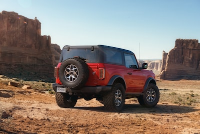 2021 Ford Bronco Badlands 2-Door (Red)