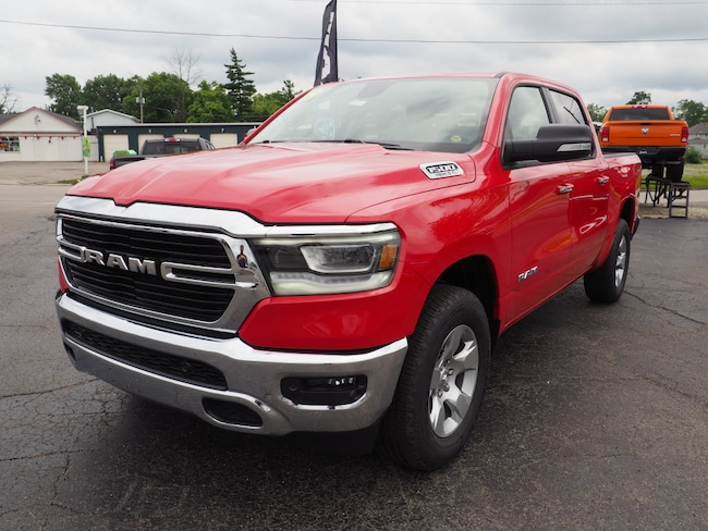 New 2019 Ram 1500 BIG HORN / LONE STAR CREW CAB 4X4 5'7 BOX Crew Cab in Muncie