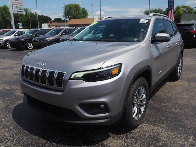 New 2019 Jeep Cherokee LATITUDE PLUS 4X4 Sport Utility in Muncie