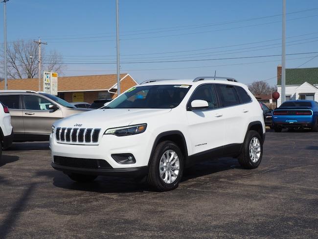New 2019 Jeep Cherokee LATITUDE 4X4 Sport Utility in Muncie