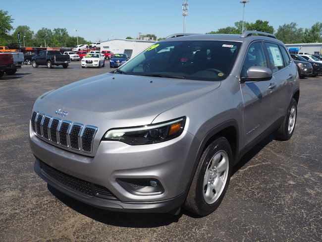 New 2019 Jeep Cherokee LATITUDE FWD Sport Utility in Muncie