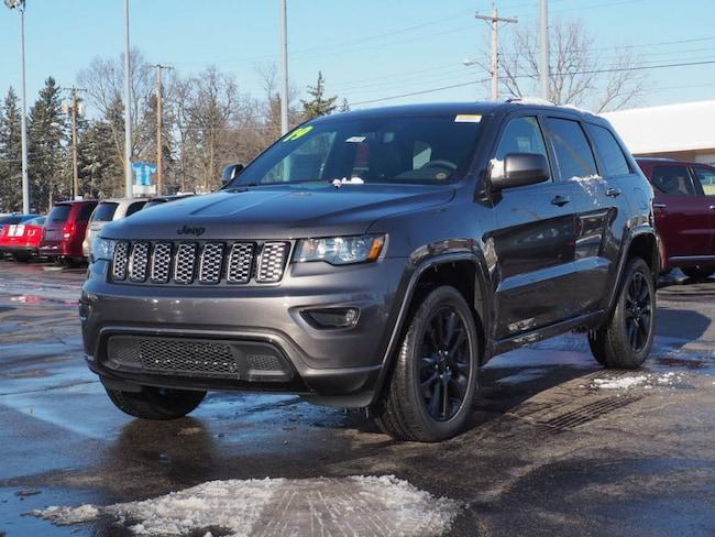 New 2019 Jeep Grand Cherokee ALTITUDE 4X4 Sport Utility in Muncie