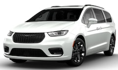 New 2021 Chrysler Pacifica for sale in Muncie, IN
