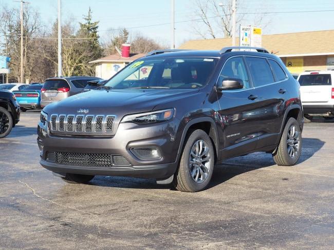 New 2019 Jeep Cherokee LATITUDE PLUS FWD Sport Utility in Muncie