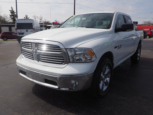 New 2018 Ram 1500 BIG HORN CREW CAB 4X4 5'7 BOX Crew Cab in Muncie