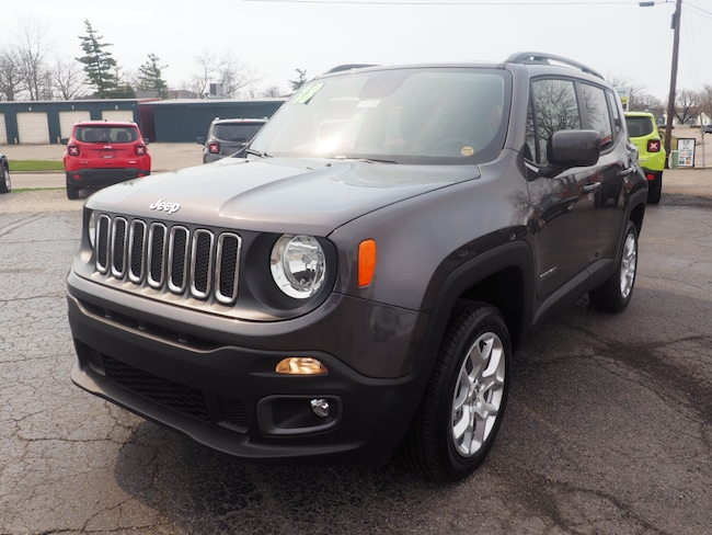 New 2018 Jeep Renegade LATITUDE 4X4 Sport Utility in Muncie