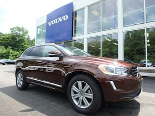2017 Volvo XC60 T5/IN T5 Inscription SUV