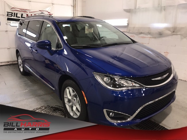 New 2019 Chrysler Pacifica TOURING L PLUS Passenger Van For Sale/Lease Ashland Ohio