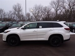 New 2019 Toyota Highlander SE V6 SUV