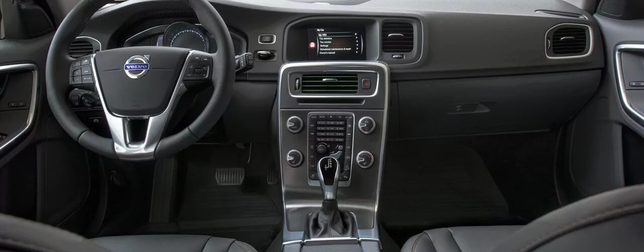 2017 Volvo V60 Cross Country Interior Dash