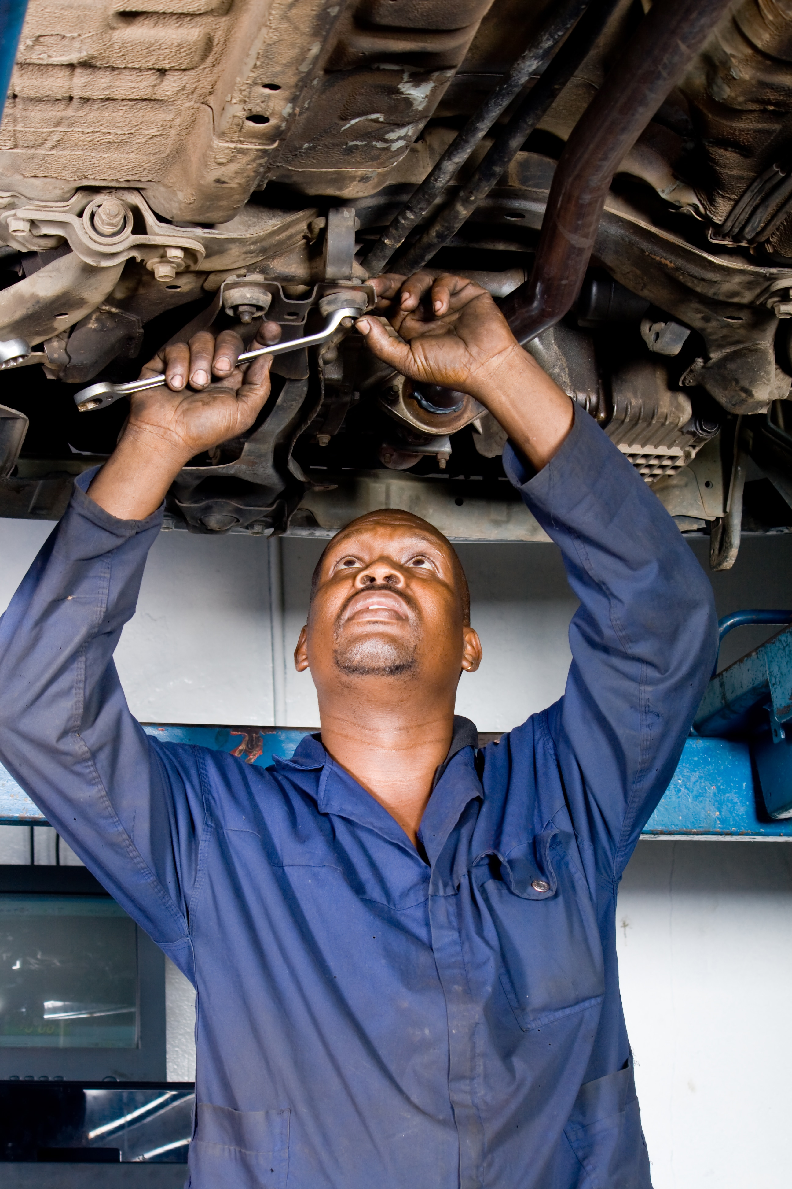 Symptoms of a Broken Throttle Position Sensor | Syracuse Dealer