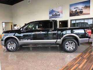 2018 Nissan Titan Platinum Reserve 4x4 Crew Cab Platinum Reserve