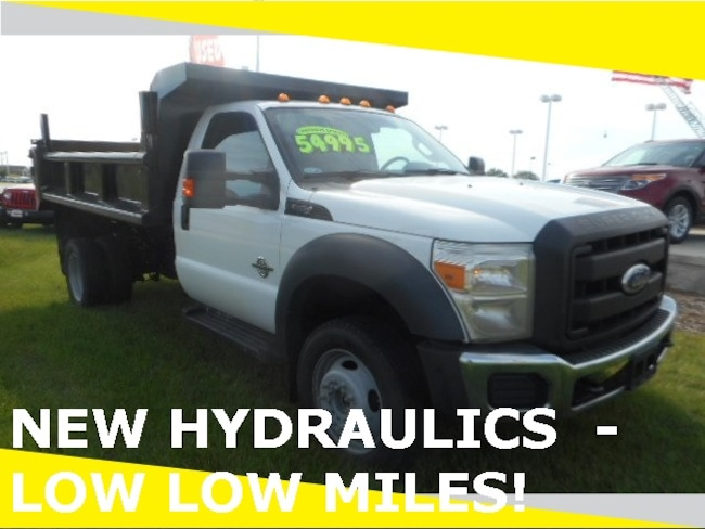 2011 Ford F-550SD XL Chassis Truck