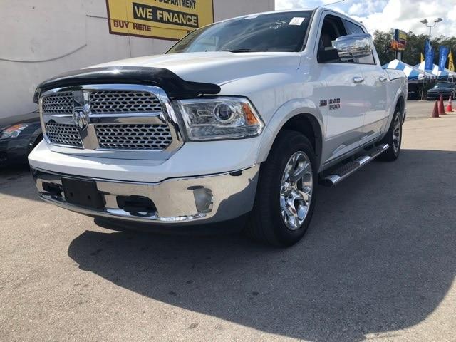 2013 Ram 1500 Laramie Truck