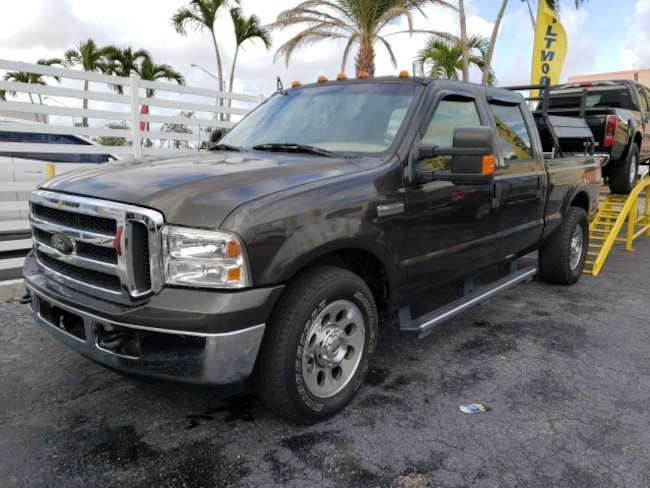 2005 Ford F-350SD Truck
