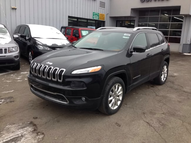 2015 Jeep Cherokee LIMITED 4X4 Sport Utility