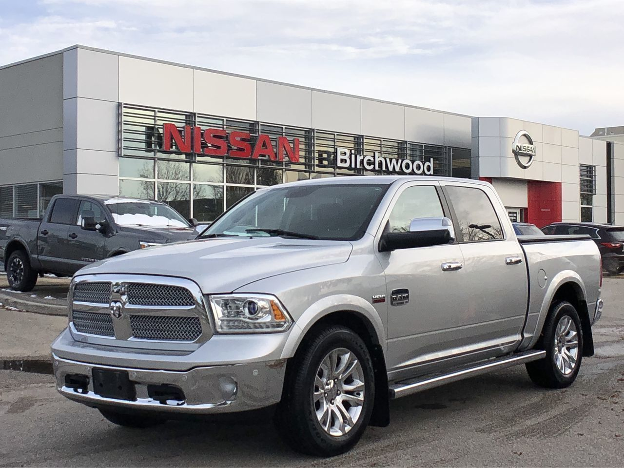 2014 Ram 1500 Laramie Longhorn Sunroof, Navigation , Leather! Truck