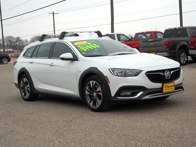 2018 Buick Regal TourX Essence SUV