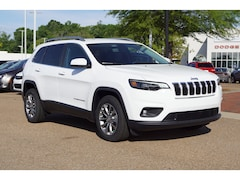 New 2019 Jeep Cherokee LATITUDE PLUS FWD Sport Utility in Vicksburg, MS