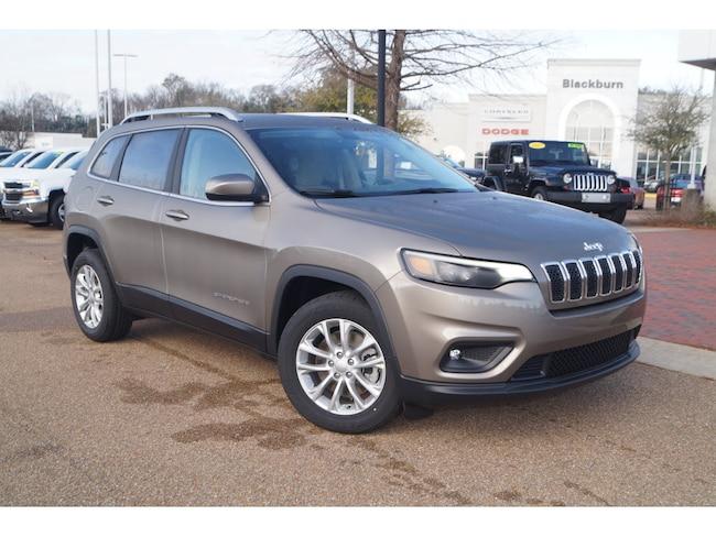 New 2019 Jeep Cherokee LATITUDE FWD Sport Utility Vicksburg, MS