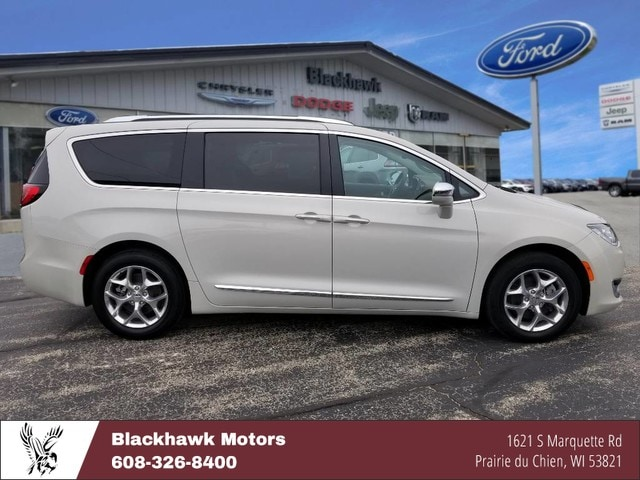 2017 Chrysler Pacifica Limited Minivan/Van