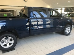 2019 Ram All-New 1500 TRADESMAN CREW CAB 4X4 6'4 BOX Crew Cab